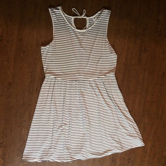 Old Navy Dresses & Skirts - Classic Navy Stripe Old Navy Dress with Tie Large